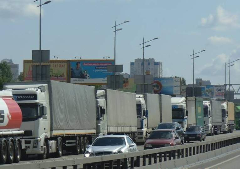 На въездах в Киев появятся пункты весового контроля грузовых автомобилей