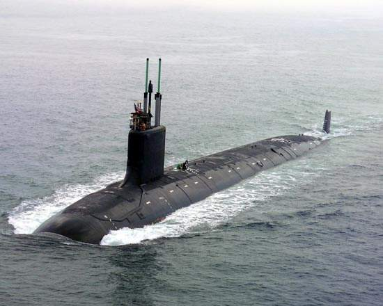 У берегов Гибралтара произошло столкновение субмарины и торгового корабля