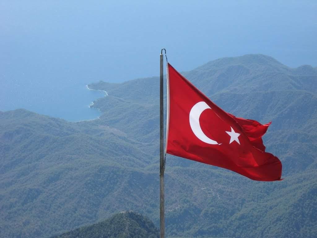 В Турции сообщили, когда отменять чрезвычайное положение