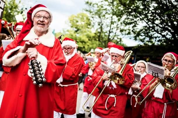 Братская встреча Санта-Клаусов в Копенгаген