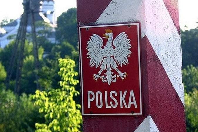 Четыре таможенника с польско-украинского КПП попались на взятке