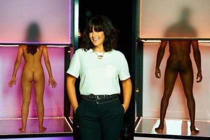 Британский телеканал Channel 4 запустил новое шоу, где пары знакомятся голышом