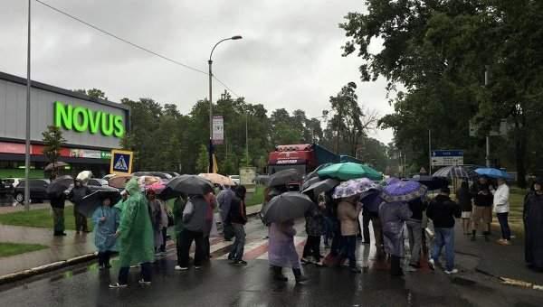 Местные жители перекрыли шоссе в поддержку мэров Ирпеня и Бучи
