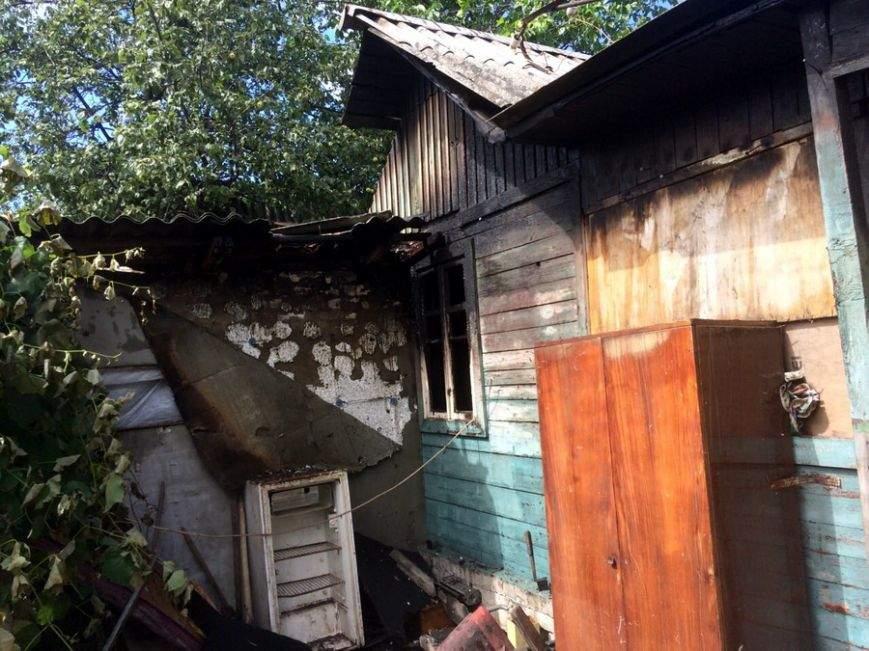 В Подольском районе Киева горел частный дом