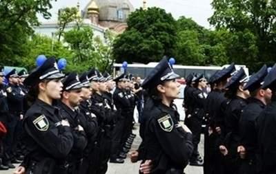 В Ровно жалуются на копов, которые слишком громко поют гимн Украины