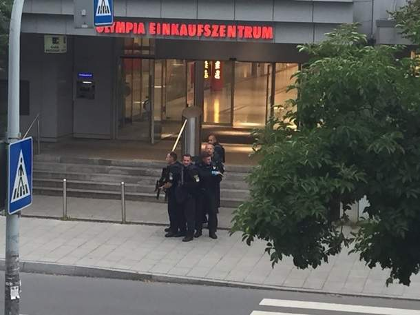 В Мюнхене полиция объявила о вводе особого положения