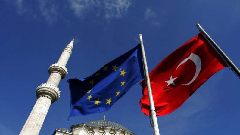 Германия предложила приостановить присоединение Турции к ЕС