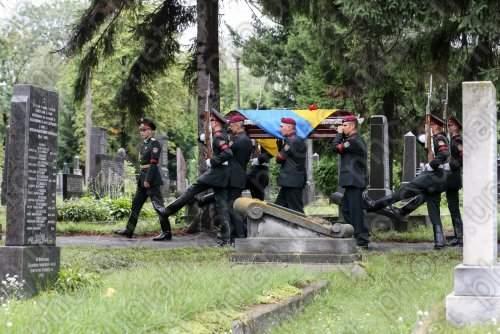 В столице похоронили полковника, погибшего в Иловайском котле