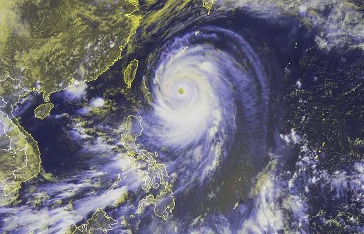 На Японию надвигается второй мощный тайфун
