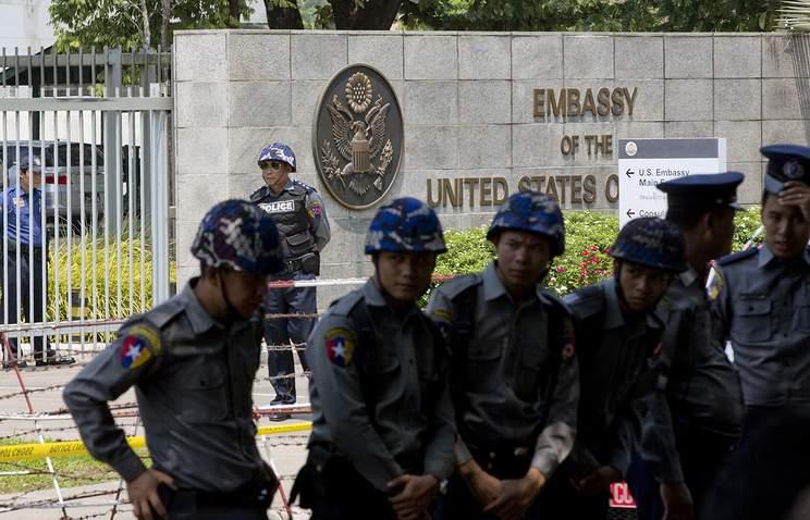 У посольства США в Мьянме раздался взрыв