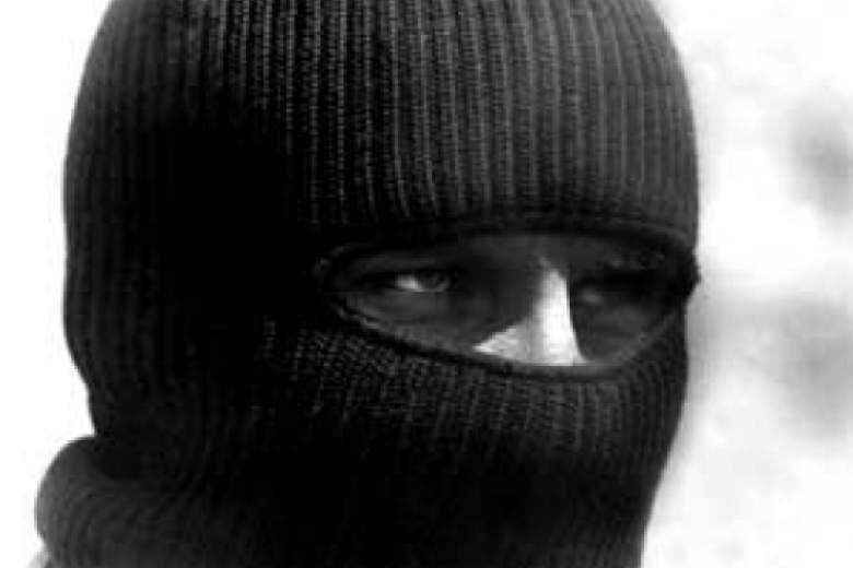 В Днепре люди в масках ограбили автобус с предпринимателями, которые ехали в Одессу