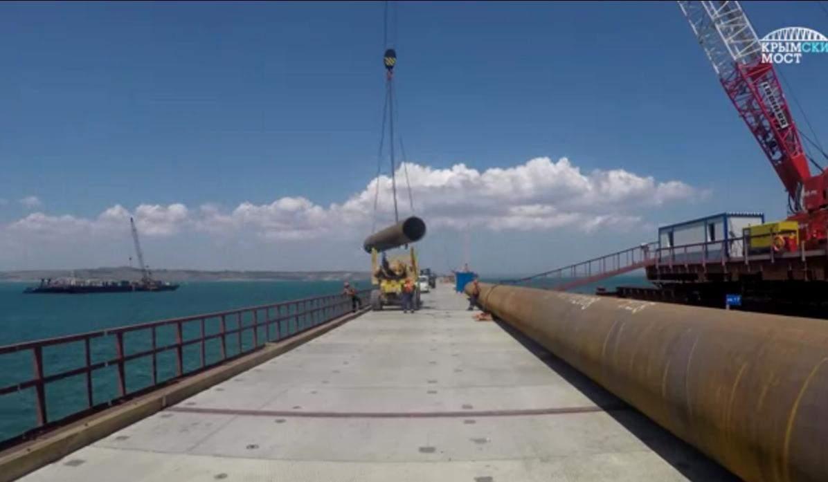 Кадры проезда по техническому мосту в Керченском проливе