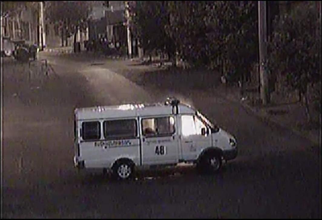 В Ереване вооруженная группа подожгла полицейскую