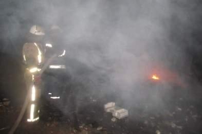 На Киевщине возле сельского совета горела свалка