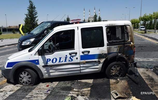 В Турции подорвались трое полицейских