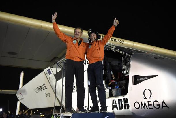Самолёт на солнечных батареях завершил кругосветное путешествие