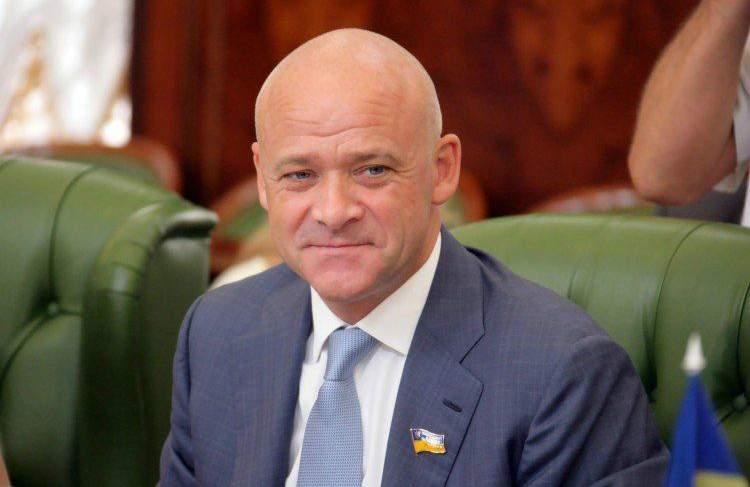 Мэр Одессы похвастался подарком от Савченко