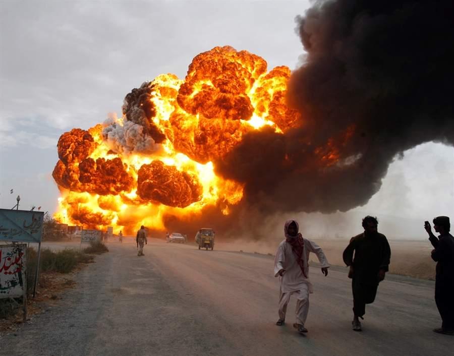 На заводе боеприпасов в Азербайджане произошел мощный взрыв