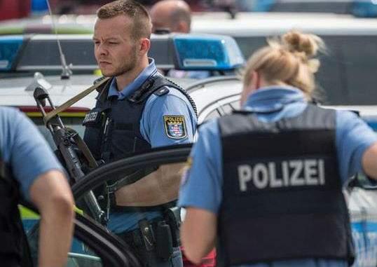 В университетской клинике Берлина неизвестный устроил стрельбу