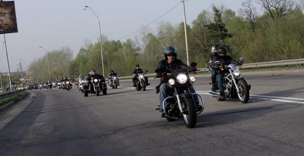 Байкеры совершат мотопробег из Закарпатья в Чонгар с крымскотатарскими флагами