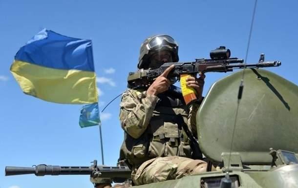 Военным повысят зарплаты в связи с инфляцией - Турчинов