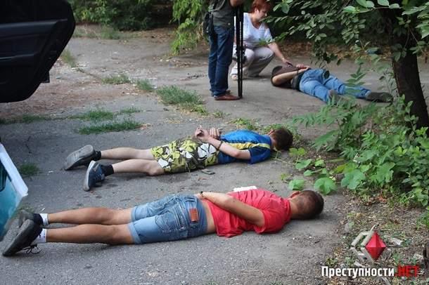 В Николаеве три бывших бойца Правого сектора совершали разбойные нападения на таксистов