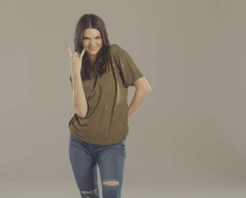 Кендалл Дженнер снялась в промо-ролике, где представила моду разных десятилетий
