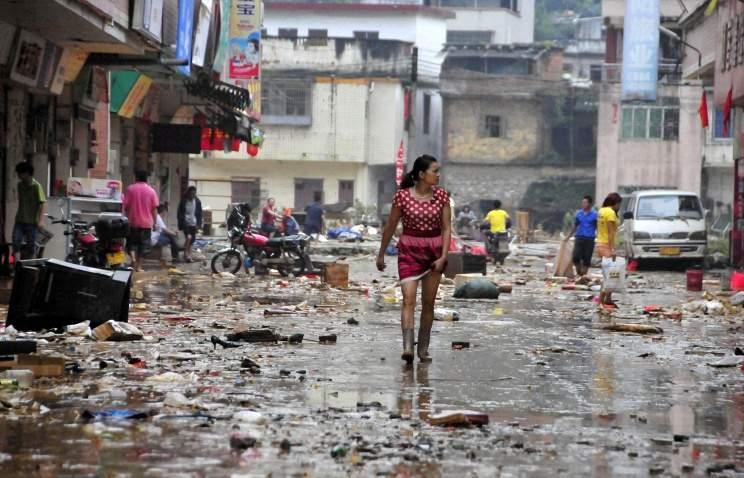 В результате стихийных бедствий в Китае погибло более тысячи человек