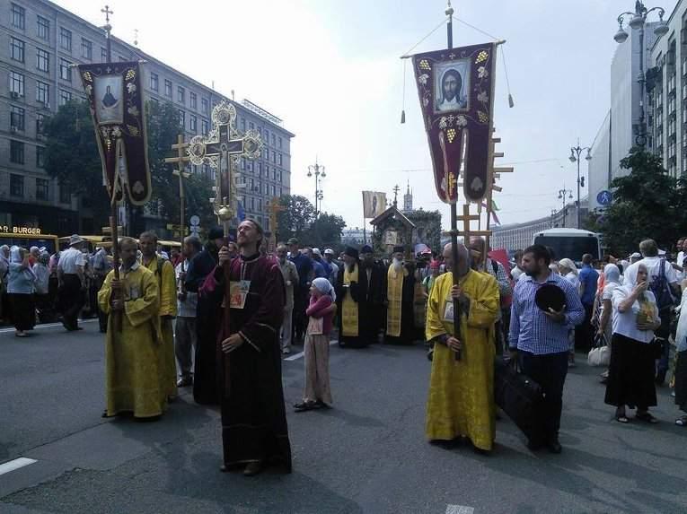 Более 4 тыс. православных собрались на молитву в Киеве