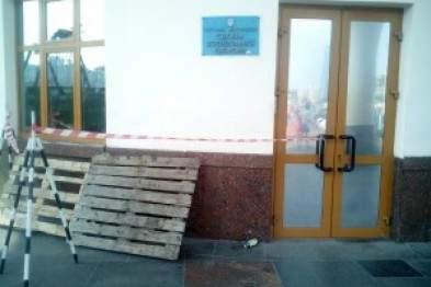 В столице хулиганы разлили ртуть возле станции метро Вокзальная
