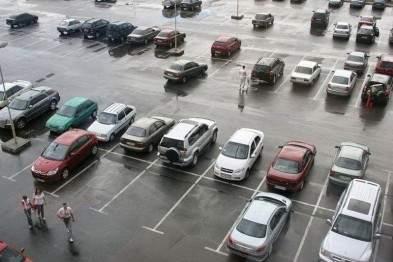 В Деснянском районе Киева может появиться открытый паркинг