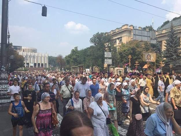 Шесть человек были задержаны во время Крестного хода