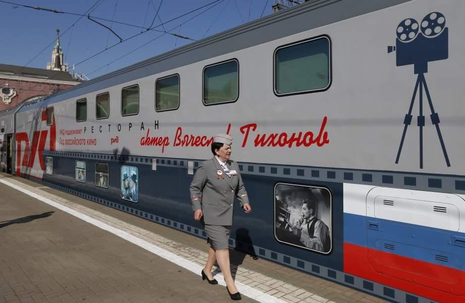 12 двухэтажных поездов с фильмами и режиссерами запустили в России