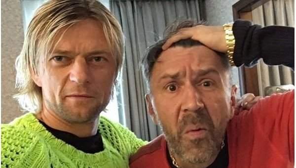 Шнуров опубликовал фото с украинским футболистом