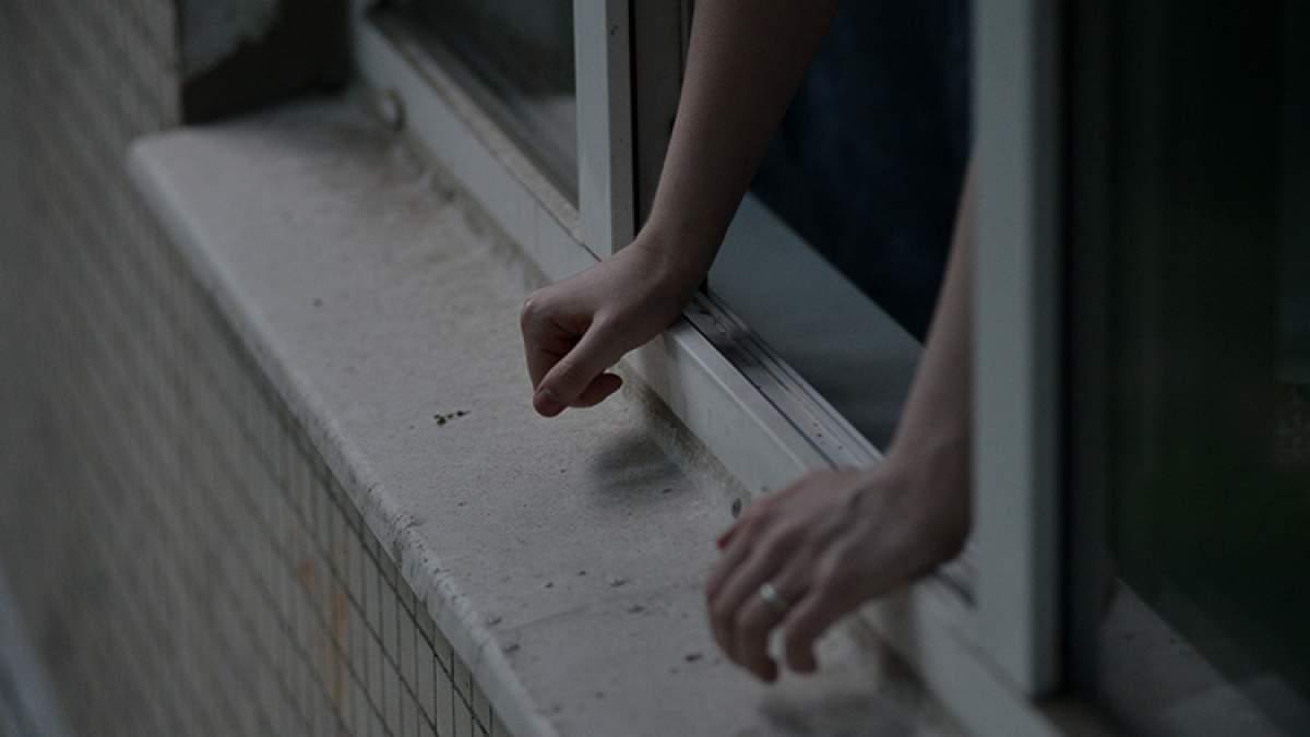 Из столичной квартиры выбросился уроженец Черкасской области, которого якобы преследовали
