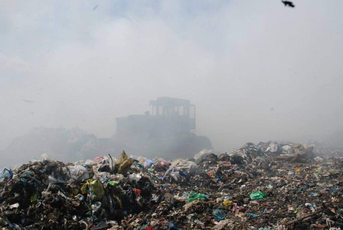 Во Львовской области снова горит свалка