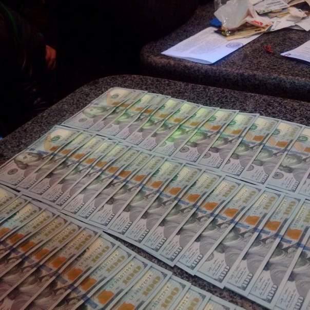 СБУ обнаружила у судьи сотни тысяч долларов