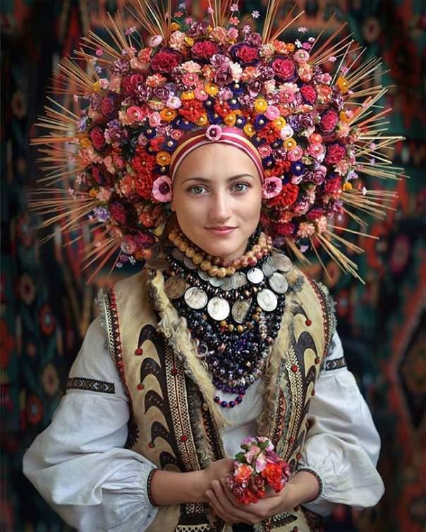 Популярное мировое СМИ оценило красоту украинского костюма