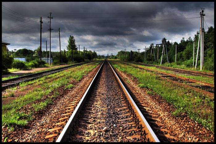На Полтавщине школьник погиб под колесами поезда