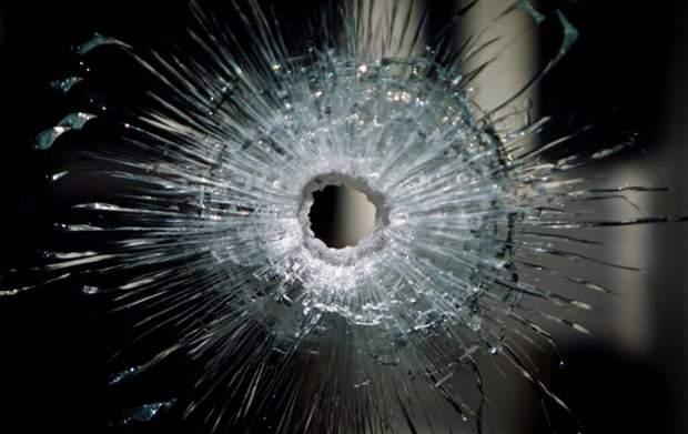 На блокпосту обстрелян пассажирский микроавтобус