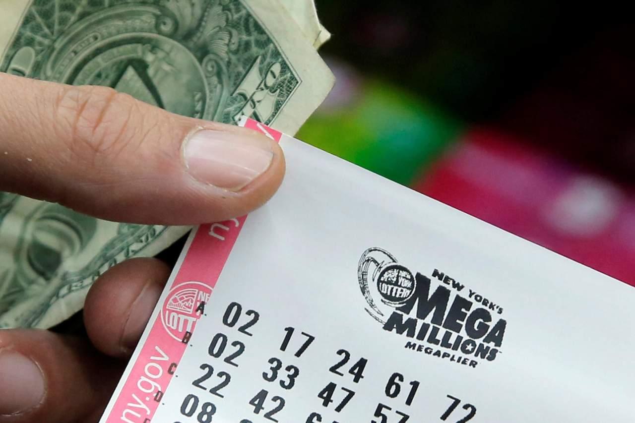 Супружеская пара выиграла в американскую лотерею 6 млн