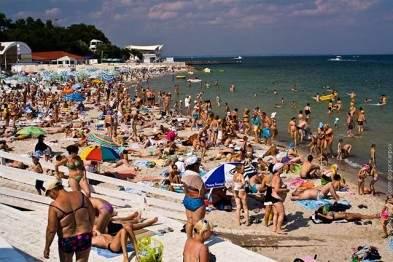 На одесском пляже патрульные поймали воров