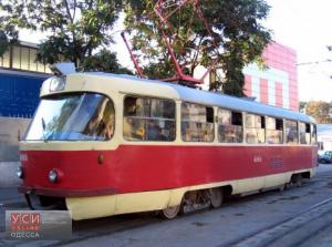 В Одессе женщина упала перед трамваем