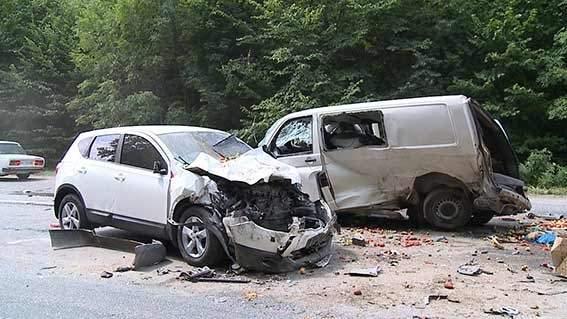 В результате аварии в Виннице пострадали 10 человек