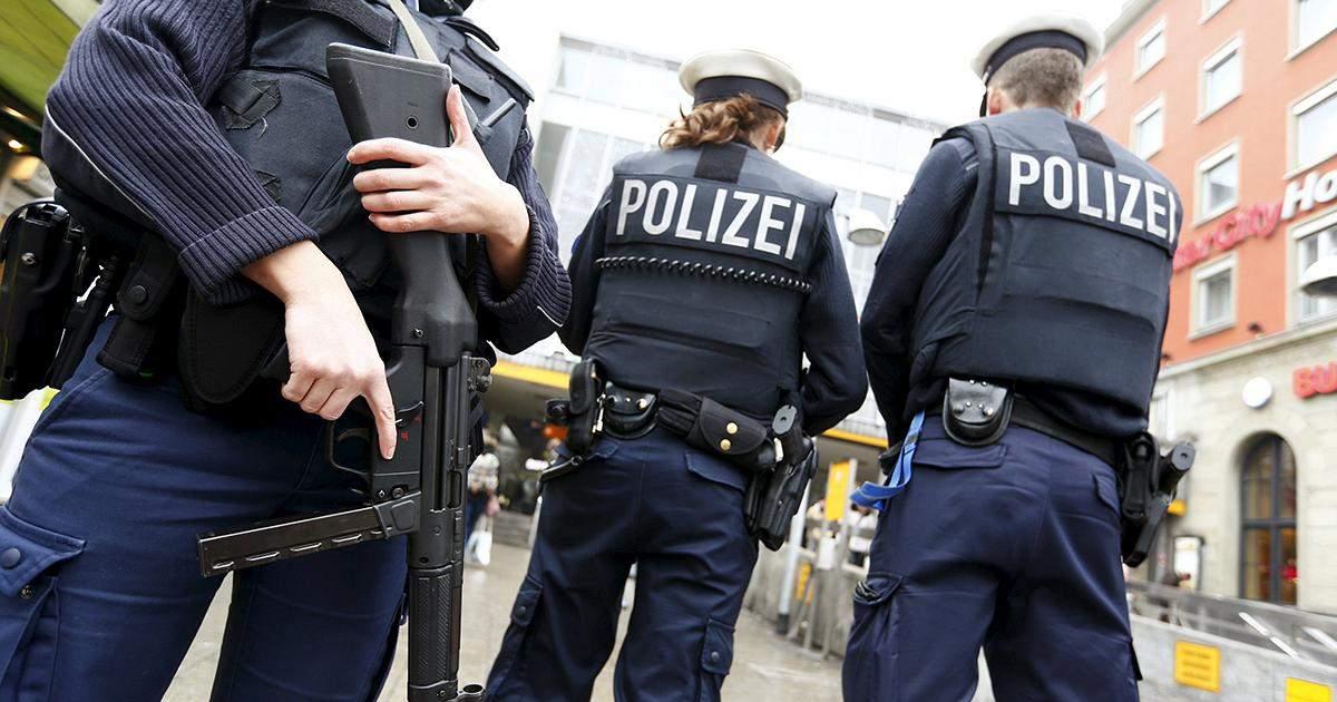 На вокзале и в ТЦ города Мюнхена сообщили об угрозе взрыва