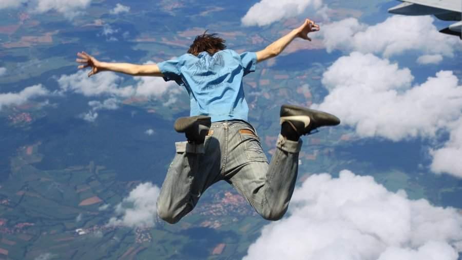 Американец совершил прыжок без парашюта