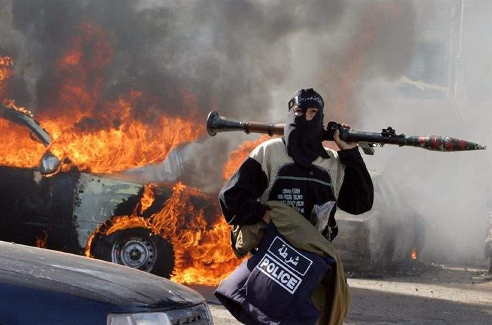На севере Ирака террористы-смертники атаковали газокомпрессорную станцию