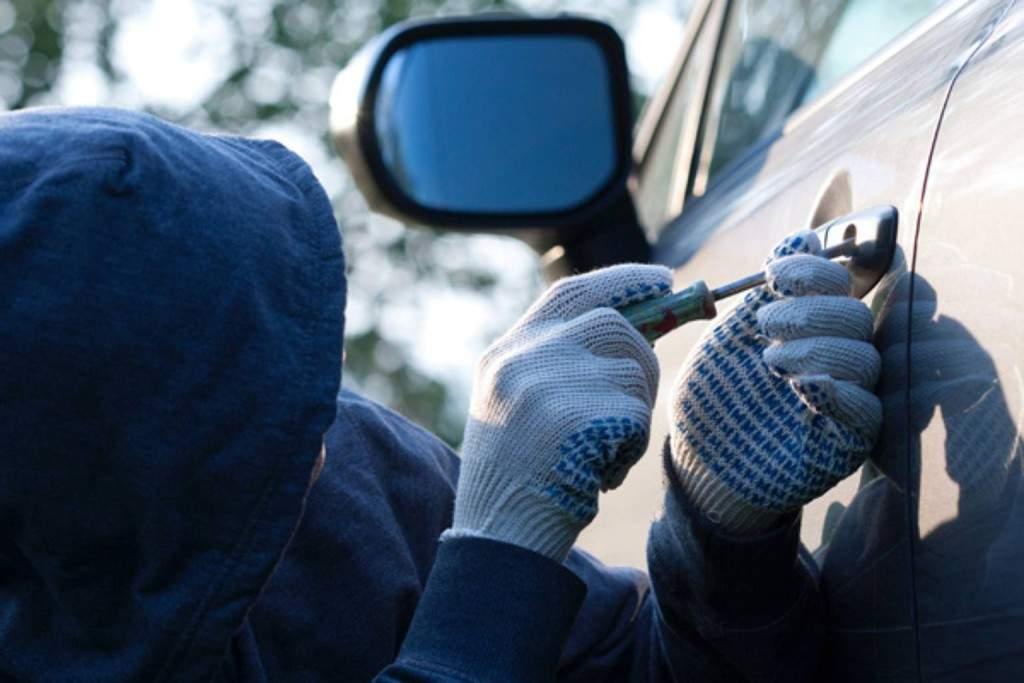 В Одессе несовершеннолетний парень угнал автомобиль