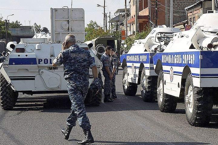 В Ереване преступники освободили медиков