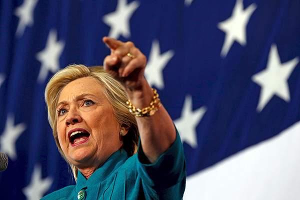 Клинтон считает спецслужбы РФ виновными во взломе почты демократов